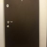 Продам входную дверь STARDIS