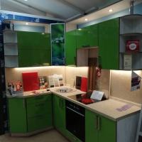 Продам качественный кухонный гарнитур