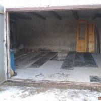 Продам гараж в поселке Дружба