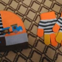 Шапка и перчатки детские