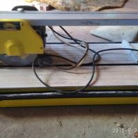 Продам электрический плиткорез